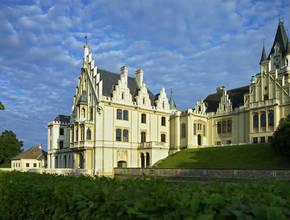 Wechselvolle Besitzerfolgen auf Schloss Grafenegg brachten Um- und Ausbauten mit sich, an denen sich die Geschichte von Jahrhunderten ablesen lässt.